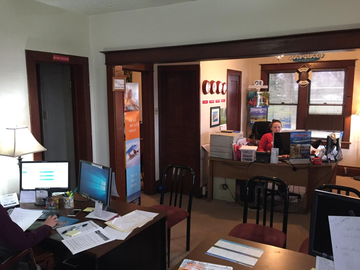 Inside Snelgrove Travel offices (img 1)